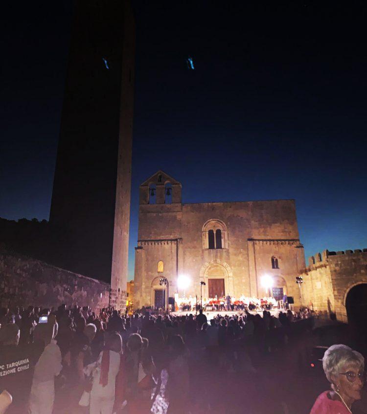 Nel sagrato di Santa Maria in Castello anche il rock dei Queen