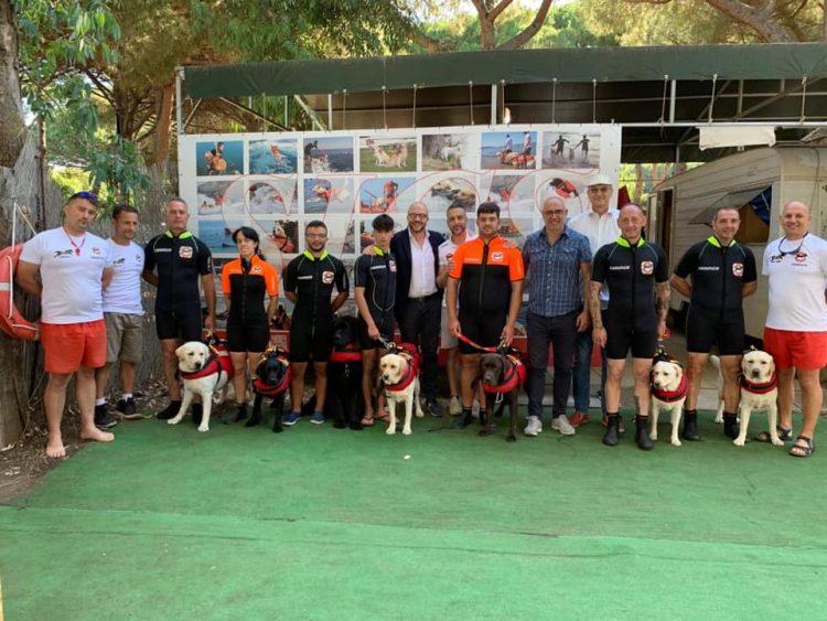 """Rotelli: """"Grazie ai cani eroi Wendy e Kobe e ai volontari della scuola addestramento di Tarquinia"""""""