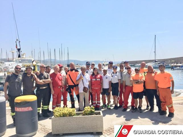 Guardia costiera: complessa operazione antincendio a Santa Marinella