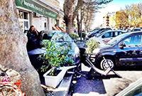 Auto si schianta in via Foce Micina