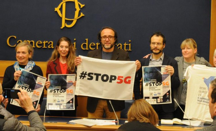 Conferenza stampa al Senato dell'alleanza nazionale Stop 5G