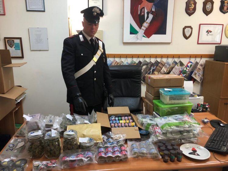 Vendeva la droga sui social: arrestato