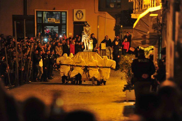 Cristo Morto, una tradizione sempre più sentita