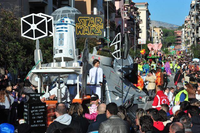 ''Io Faro Carnevale'': sette carri e duemila figuranti
