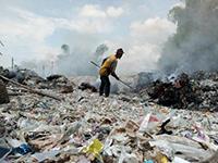 Rifiuti di plastica, altro che riciclo