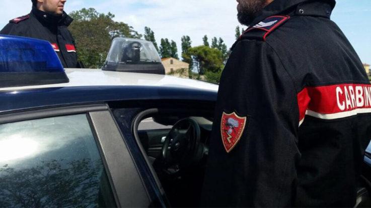 Straniero dà in escandescenza su un bus Cotral: arrestato