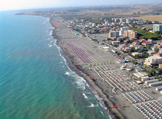 Tarquinia lido bollicine summer fest. Veneto, Lazio e Puglia: ecco le cantine dell'evento