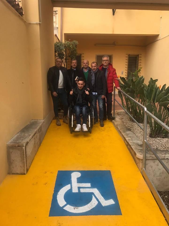 La rampa per disabili in Comune è realtà