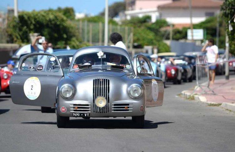 Trofeo d'auto d'epoca con ''La dolce vita''