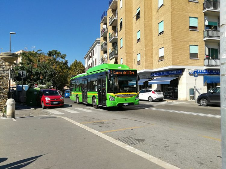 Fermate intelligenti: basta un click per conoscere la posizione del bus