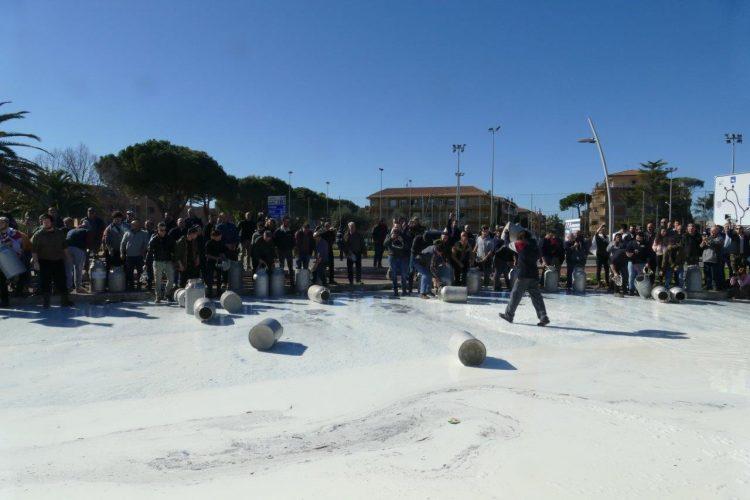 Anche gli allevatori di Montalto in protesta