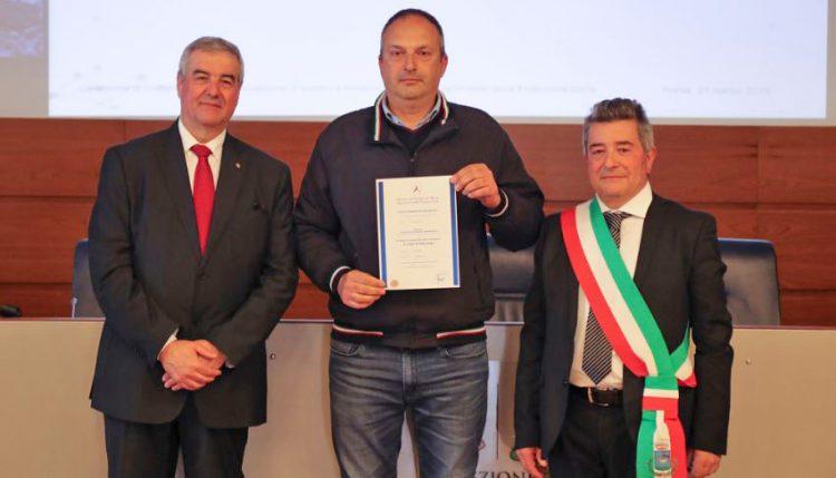 Protezione civile Cerveteri, Renato Bisegni ritira pubblica benemerenza davanti al Premier Conte