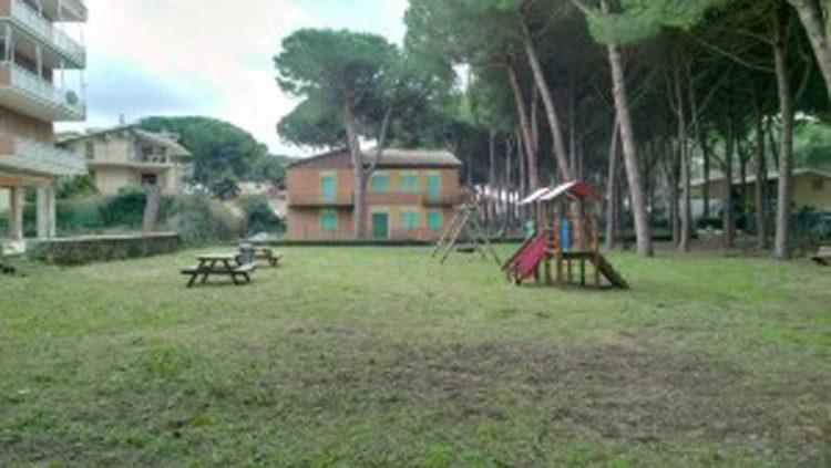 Tarquinia, ripulito il parco di viale Porto Clementino