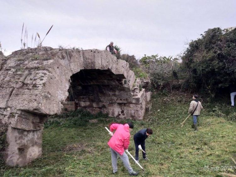 Porto turistico, ripulito il ponte romano di via Roma