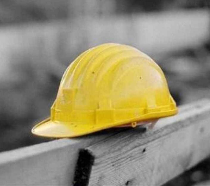 Incidente sul lavoro: operaio cade dal trabattello e muore
