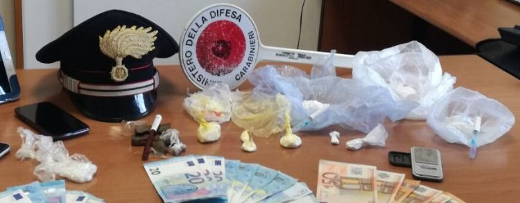Denunciato 43enne per detenzione e spaccio di sostanze stupefacenti