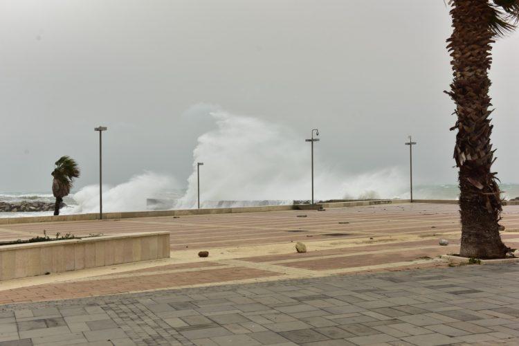 Vento forte e mareggiate: allerta sul litorale