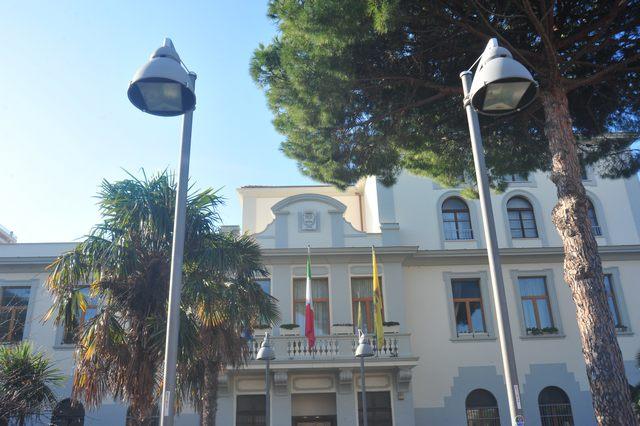 Proclamato lo stato di agitazione del personale del comune di Civitavecchia