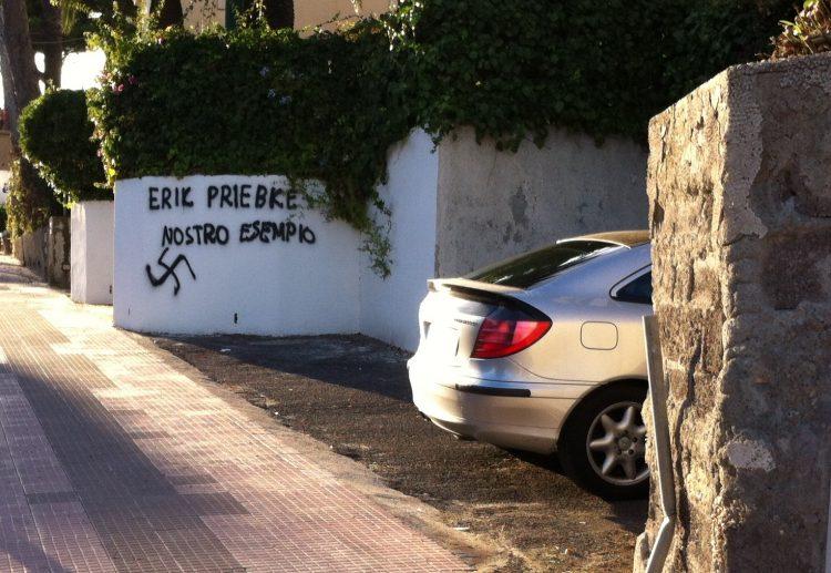 Frasi inneggianti a Priebke: sdegno a Santa Marinella