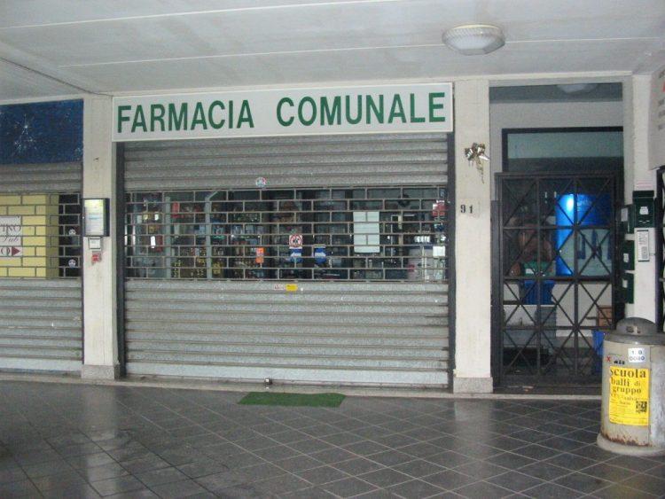 Farmacia comunale, gli scaffali sono ancora vuoti