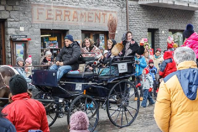 Tolfa: ''Arriva la Befana in carrozza''