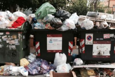 È scontro sui rifiuti di Roma