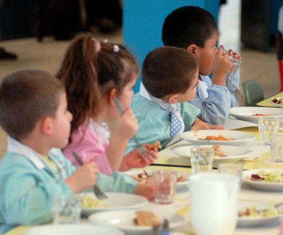 ''Mamme Etrusche'' si mobilitano per il pasto da casa consumato a scuola