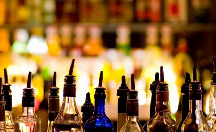 Alcol e abbandono rifiuti, giro di vite dell'amministrazione comunale