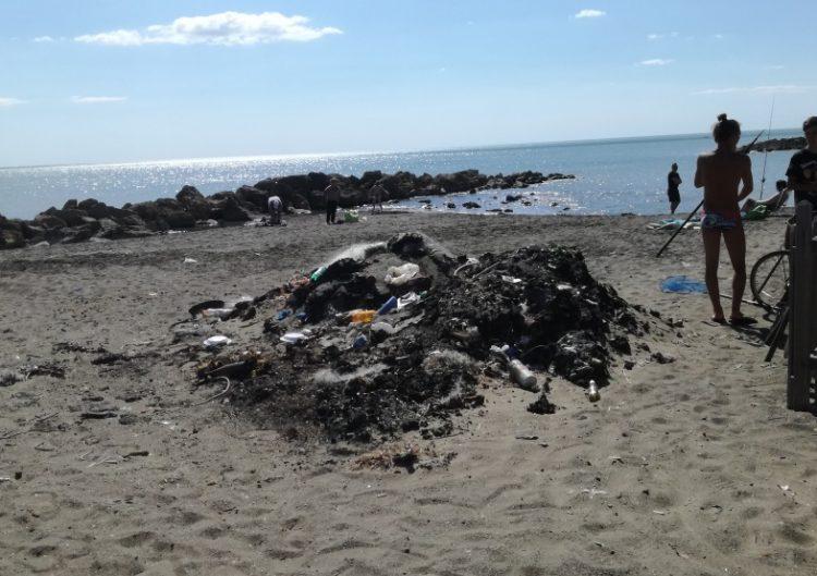 Ladispoli, le spiagge diventano una discarica