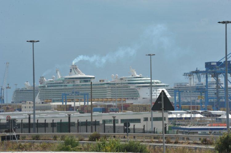 Fumi in porto, l'amministrazione non abbassa la guardia
