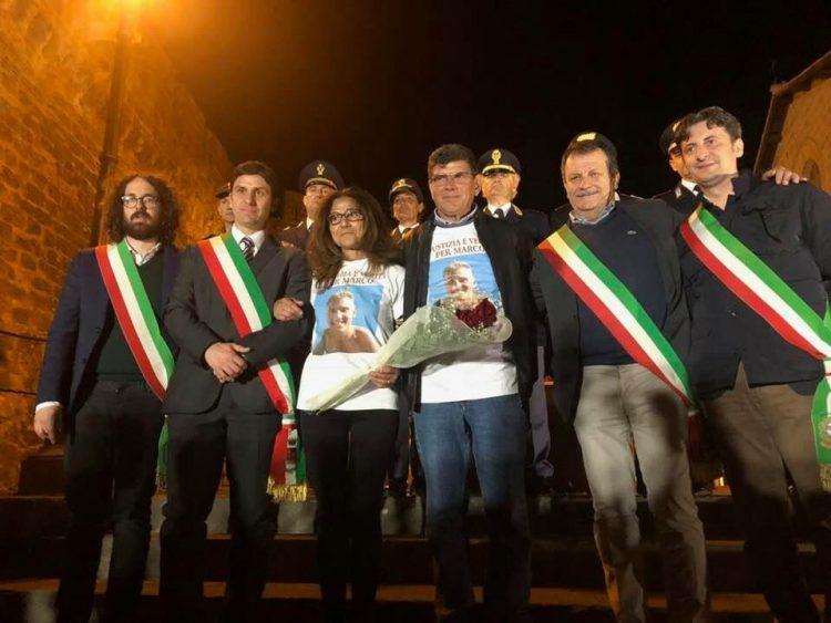 Cerveteri, folla in piazza per Marco Vannini