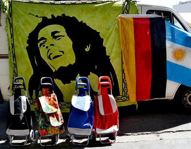 Colori mercatali (foto Giovanni Canu)