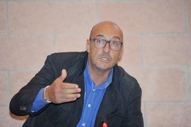 Cara: Sandro De Paolis vuole la consultazione popolare