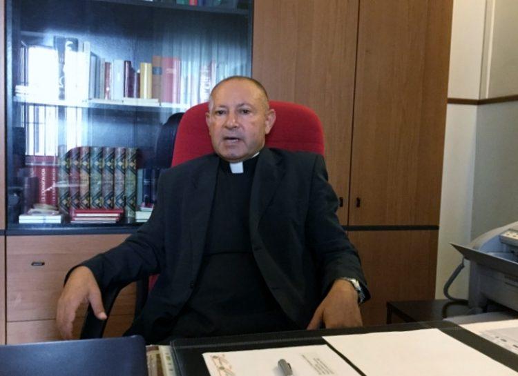 Monsignor Firringa spegne le polemiche