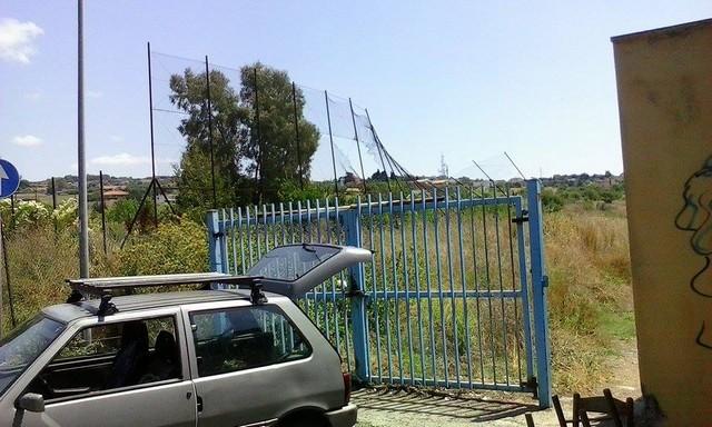 Civitavecchia: incendio all'ex campo Saraudi