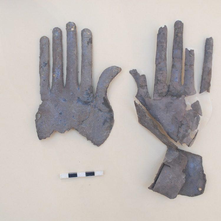 Nuova scoperta archeologica a Vulci: trovate mani in oro e argento