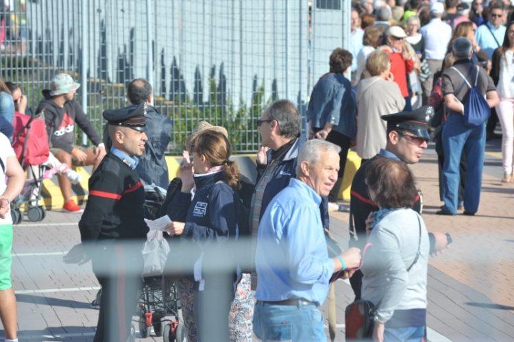 Largo della Pace: blitz dei carabinieri