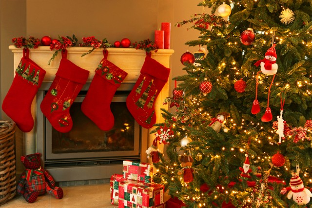 Addobbi natalizi: la strada più bella di Tolfa è via del Bassano