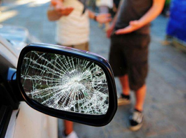 Truffa dello specchietto: diverse le vittime della banda dell'Alfa Romeo