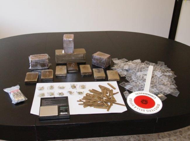 Spaccio: arrestati due trafficanti di Fiumicino