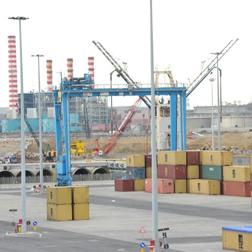 Si accelera sul terminal container