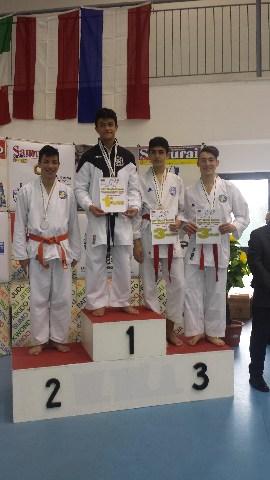 Meiji Kan due volte sul podio