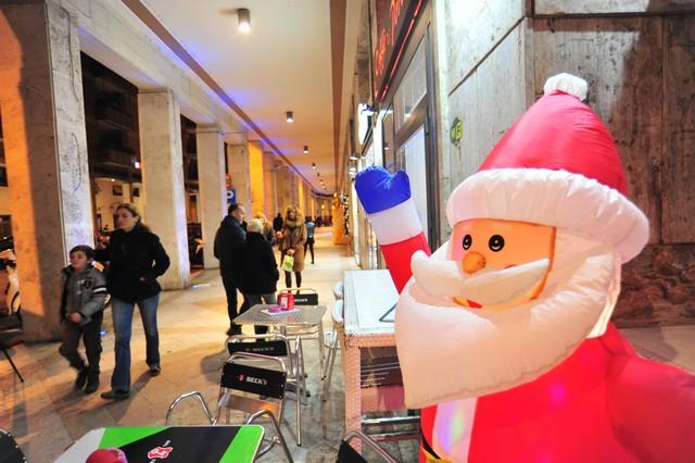 Spese per i regali: sarà un Natale dimesso per la Confcommercio