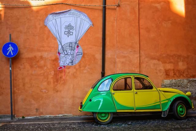 Papamanifesto a S.Giovanni ( foto di Marcello Tedeschi )