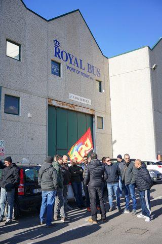 Royal Bus, lavoratori in attesa delle procedure di licenziamento