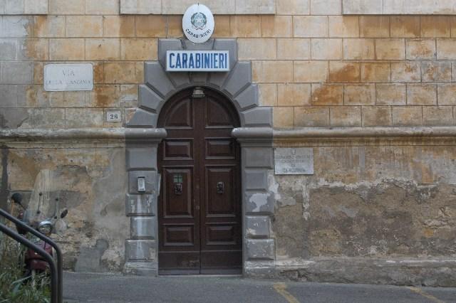 Rapina, lesioni e resistenza a pubblico ufficiale: un arresto a Tarquinia