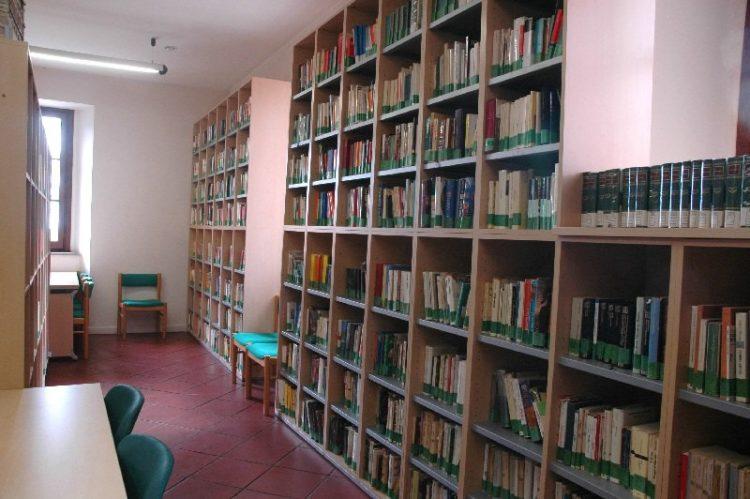Allumiere, per la biblioteca Cammilletti pensa ai volontari
