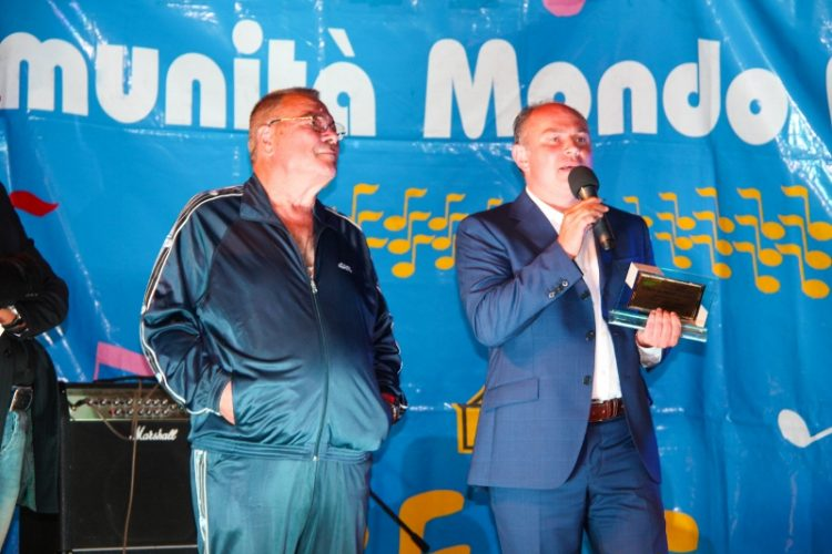 Musica, spettacolo e solidarietà con  ''Oltre le note'' presentato da Max Petronilli