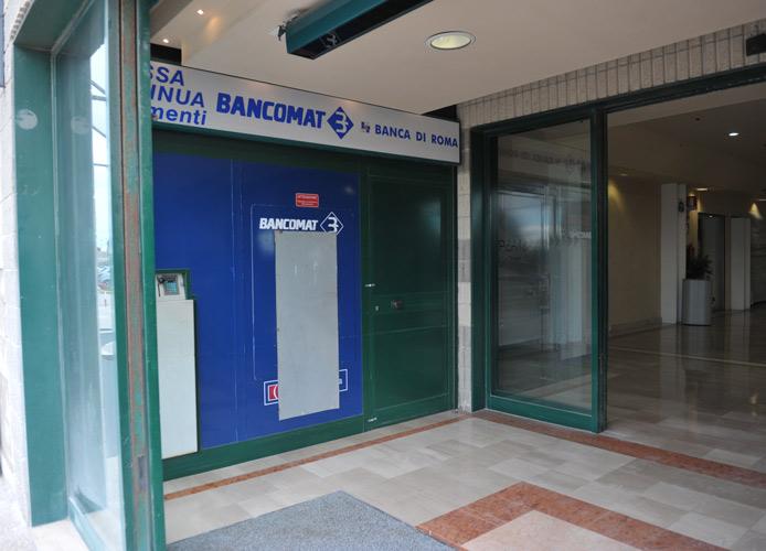 Assalto al bancomat: spari a La Scaglia