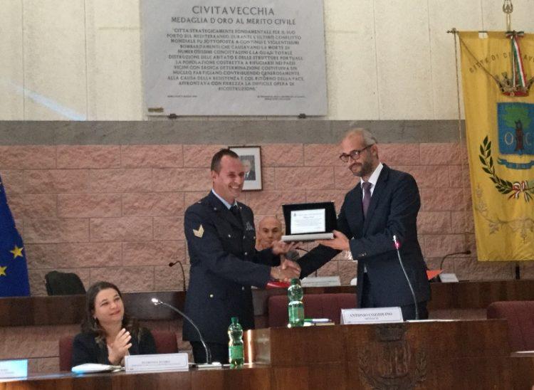 La città rende omaggio al sergente dell'Aeronautica Marco Feoli